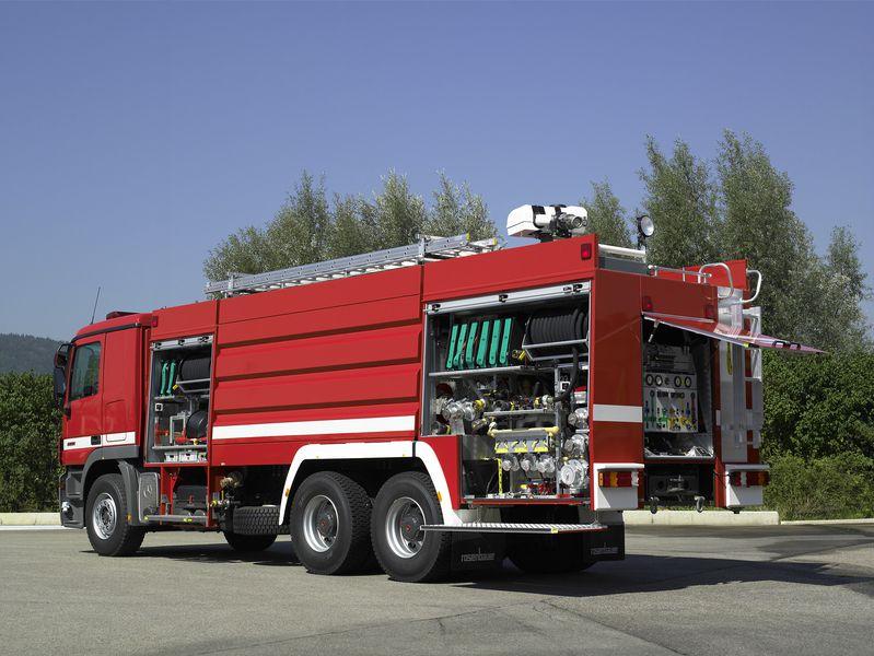 Xe chữa cháy công nghiệp thiết kế tùy biến2