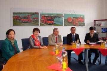 Bộ trưởng Bộ Công An thăm và làm việc với hãng xe METZ